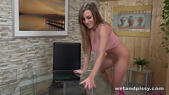 niedlich pissen pornostar